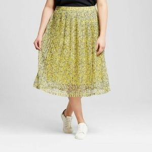 NWT Who What Wear Yellow Pleated Floral Skirt
